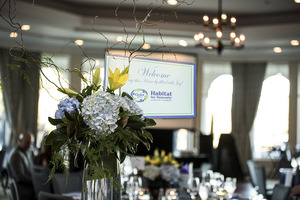 Gala Screen with flower arrangement 2